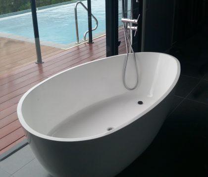 LUCINI Freestanding Bath 1700mm - Lifestyle Image